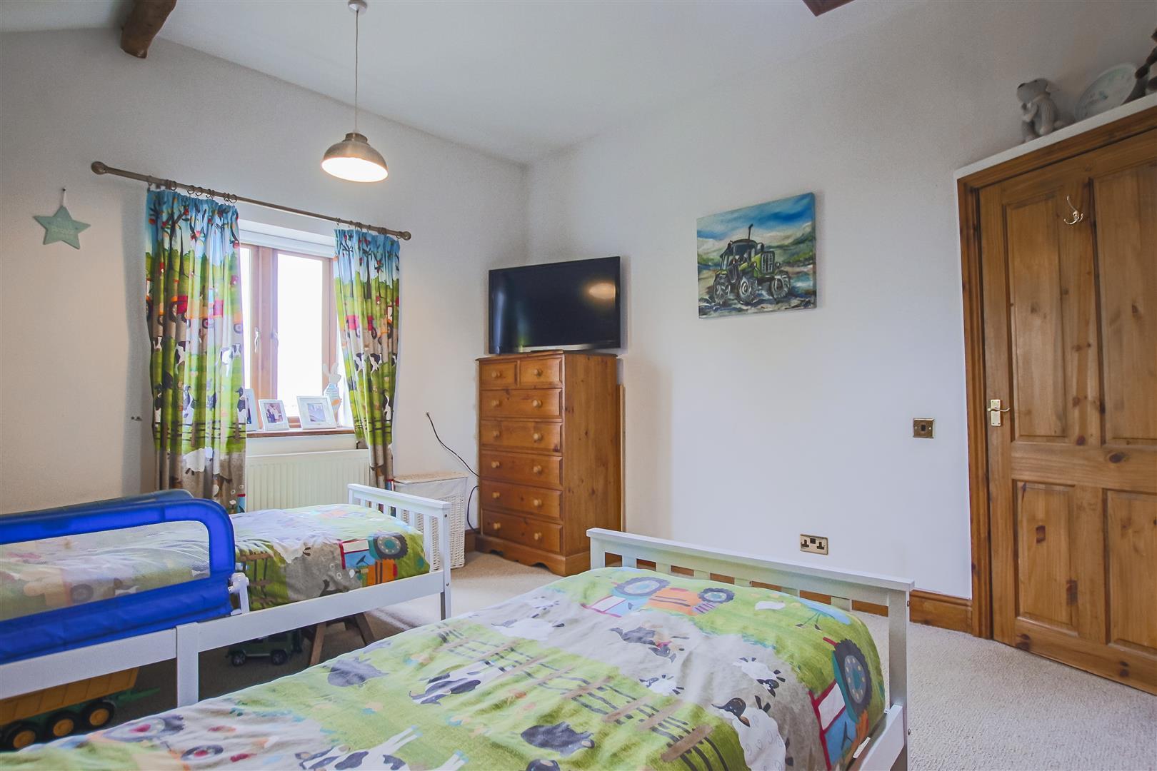 4 Bedroom Semi-detached House For Sale - Image 54